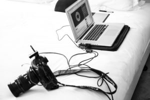 Laptop-with-camera-connected